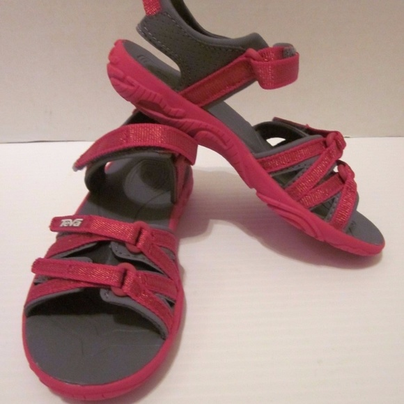 d2c1c2504826 New Youth Teva Tirra Metallic Red Sandal Water. M 5b8ee7376a0bb771b521d110